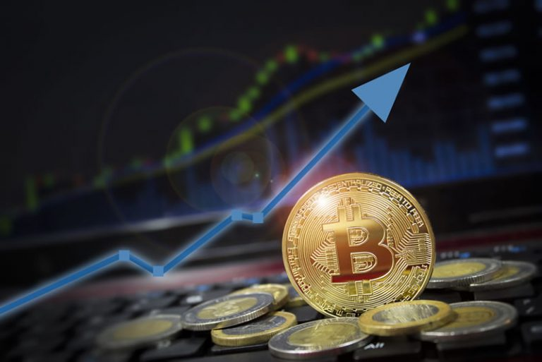 John Bollinger Says Bitcoin (BTC) Moving into 'Squeeze Territory' as Oil Price Goes Negative