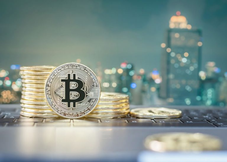 Bitcoin Hesitates, But Break Above 100 SMA Could Trigger A Sharp Rise – Crypto Money Daily
