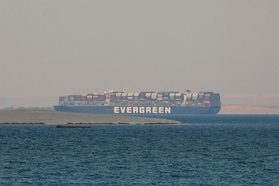 Suezin kanavan vaatimus kerran jumissa olevasta aluksesta, tuomioistuimen viittaama
