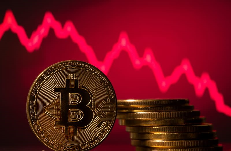 Bitcoin falls 8.9% to $34,156
