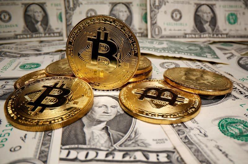 Bitcoin zakt 8% in terwijl het op weg is naar een maandelijkse daling van kneuzingen