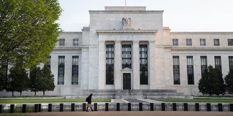 De Fed neemt bijna $ 1 biljoen op van marktdeelnemers die overspoeld worden met contant geld en wanhopig op zoek naar rendement | Valuta Nieuws | Financieel en zakelijk nieuws – TodayHeadline