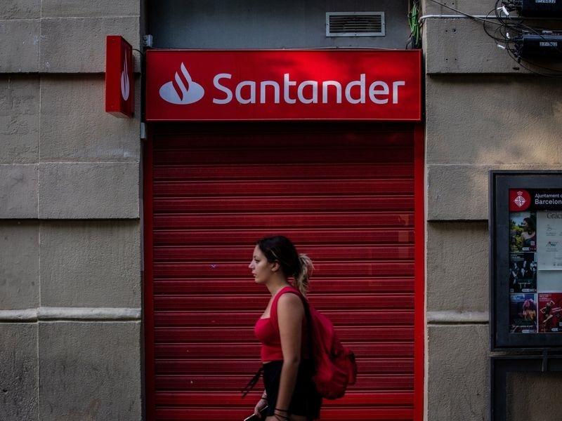 Santander tikt AutoFi aan voor nieuw winkel-, financieel platform