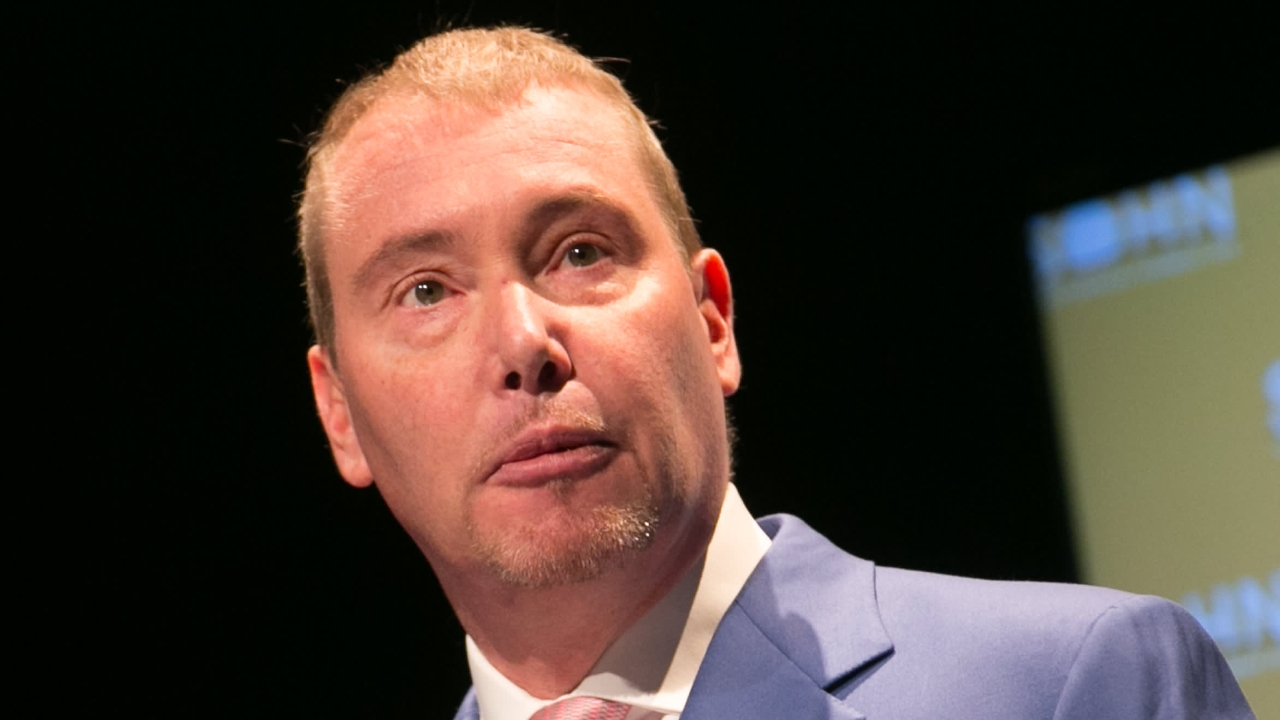 Billionaire Fund Manager Jeffrey Gundlach Convinced Bitcoin Will Fall Below $23K, US Dollar Is 'Doomed' – Markets and Prices Bitcoin News