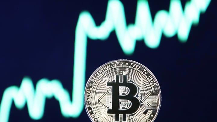 Crypto News 02/10: Bitcoin is aiming for $ 50,000 with news from ETH, Huobi, Ripple, Umbrella Network, Solana, Uniswap, Cardano, WonderHero