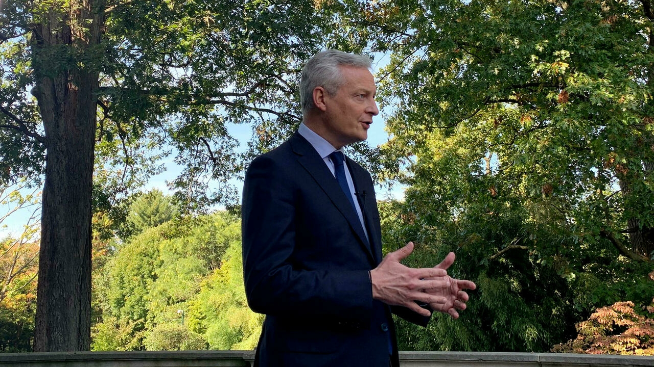 French finance minister calls on US to end trade disputes with Europe